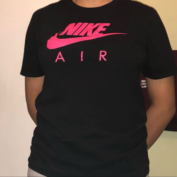 black and pink nike shirt